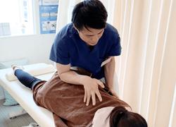 宇都宮ゆいの杜整体院の腰痛 施術写真